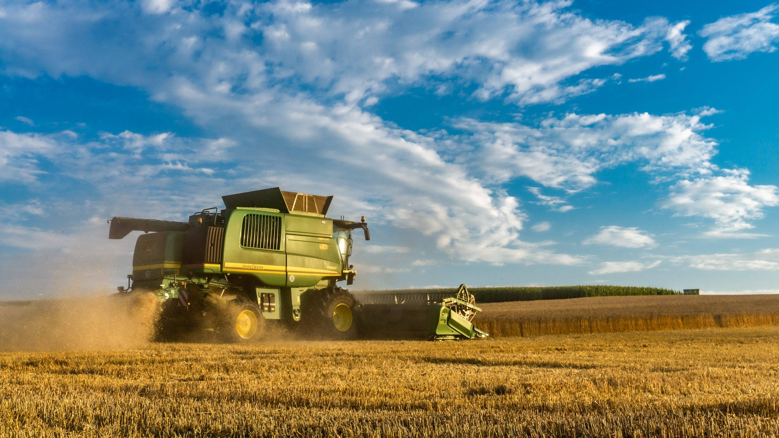 Reasons Why Plant and Machinery Owners Should Use GPS Tracking